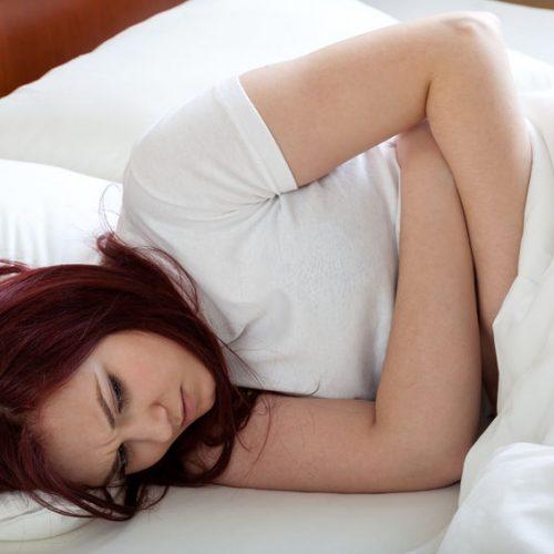 6 sposobów na silne bóle menstruacyjne, które nie dają spać