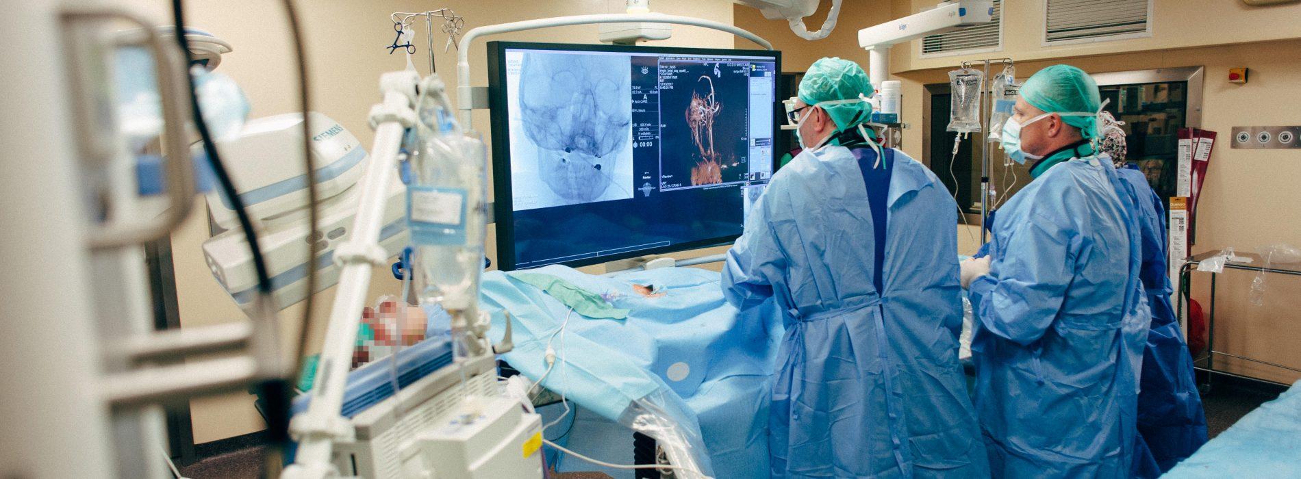 Wrocławska klinika pomaga chorym na stwardnienie rozsiane