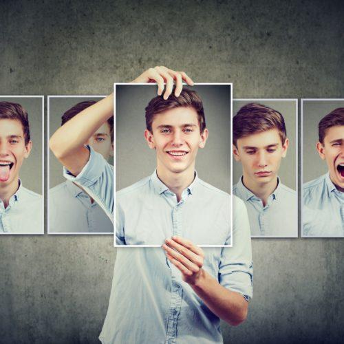 Introwertyk – kto to? Jak okazuje uczucia?