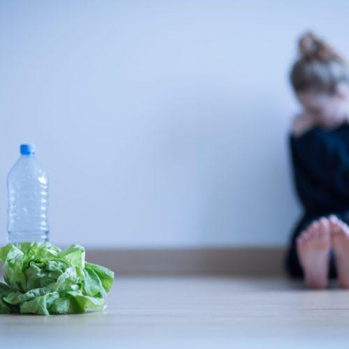 Jadłowstręt psychiczny, czyli anoreksja – Przyczyny, objawy i leczenie