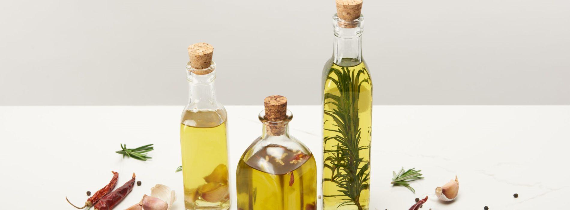 Olej laurowy – Co zawiera, jakie ma właściwości i zastosowanie?