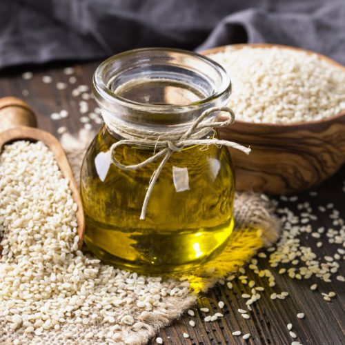 Olej sezamowy do smażenia potraw – Wady i zalety stosowania