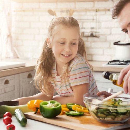 Jaki olej dla dziecka, niemowlaka i dlaczego warto wprowadzić go do diety?