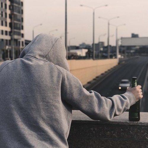 Wyjście z alkoholizmu. Psychoterapia czy leczenie farmakologiczne?
