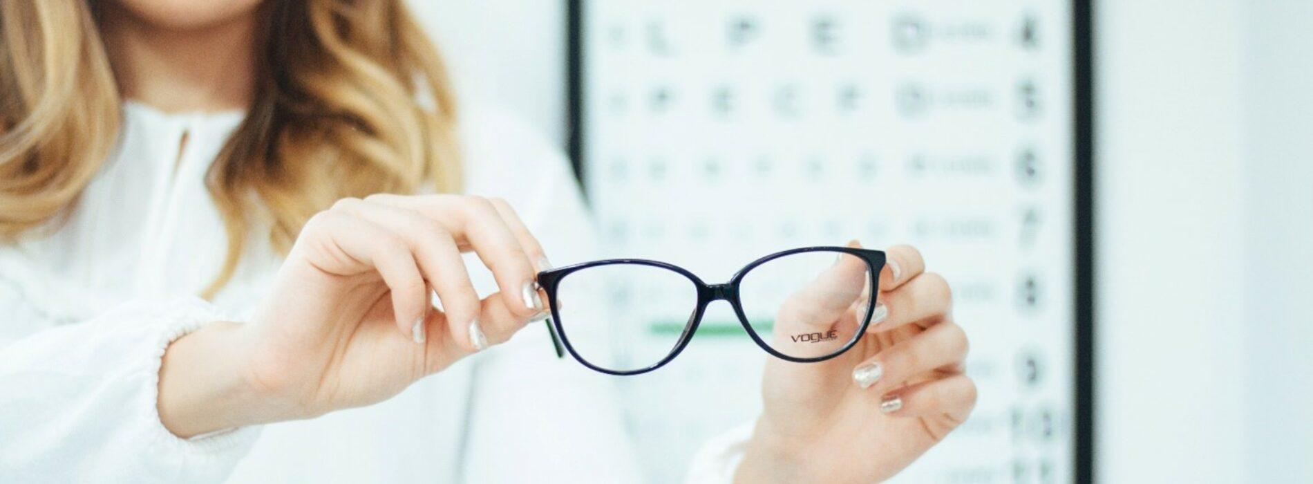 Co robią cylindry w okularach?