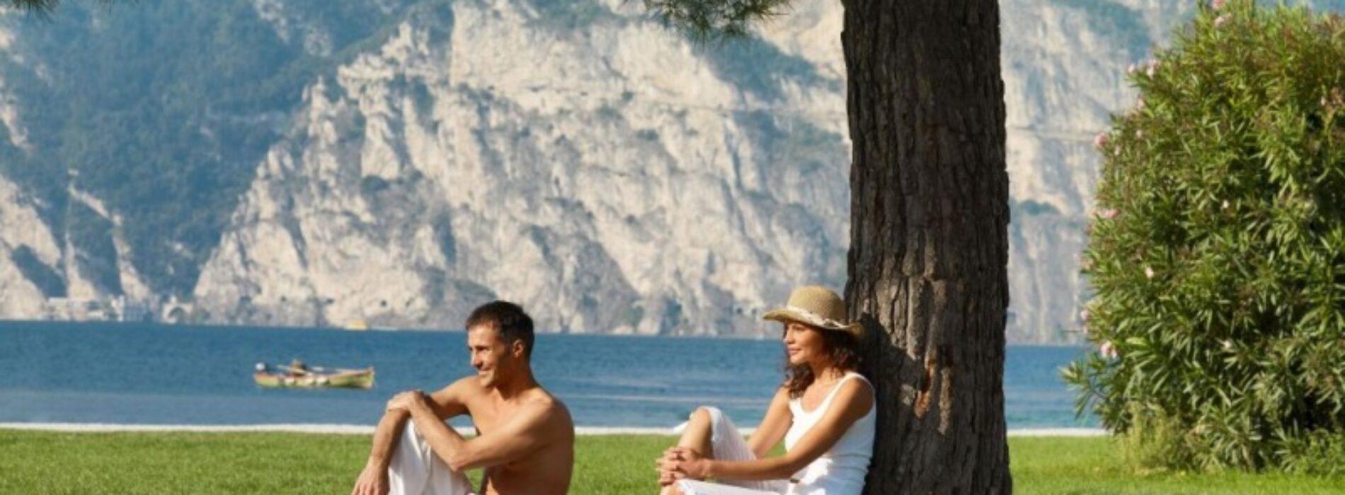 Kempingi nad jeziorem – pozwól naturze stać się Twym domem